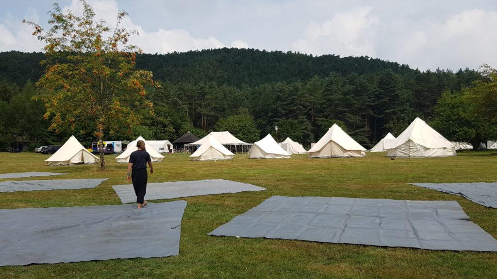 Zelte abbauen